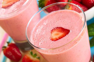 strawberry-banana-mango-kombucha-smoothie-recipe